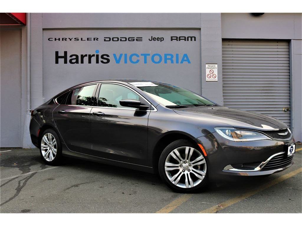 Pre-Owned 2016 Chrysler 200 Limited,Low Kms,GPS Navigation