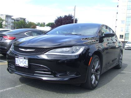 Pre-Owned 2016 Chrysler 200 S  Manager Demo! Front Wheel Drive Car