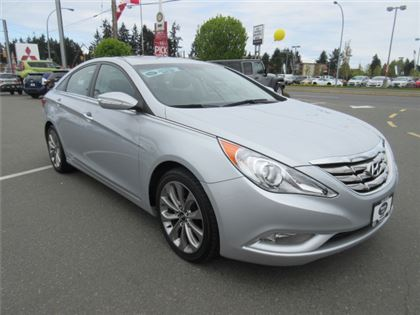Certified Pre-Owned 2011 Hyundai Sonata 2.0Turbo SE Sunroof Low Kilometers