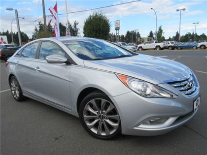 Certified Pre-Owned 2011 Hyundai Sonata SE Turbo Sunroof Accident Free One Owner FWD Car