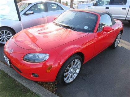 Pre-Owned 2006 Mazda MX-5 GS RWD Sedan