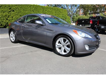 Pre-Owned 2010 Hyundai Genesis Coupe 2.0T  Car