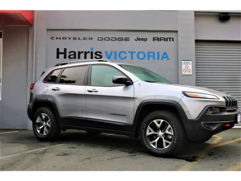 Pre-Owned 2018 Jeep Cherokee Trailhawk,8.4 inch touchscreen Four Wheel Drive Sport Utility